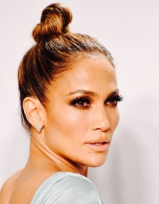 5-celeb-inspired-ways-to-style-a-topknot-this-fall-1575949-1448683431-640x0c