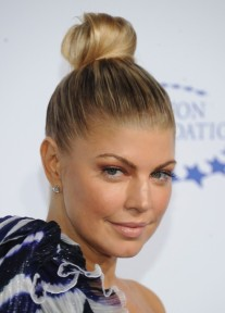 fergie-top-knot-updo-hairstyle