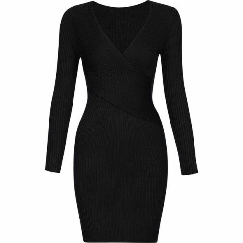"El ""Little Black Dress"" es un deber tenerlo para toda mujer. // Having a ""Little Black Dress"" is an obligation for every woman."
